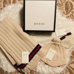 Brand new baby Gucci hat, blanket and mittens set